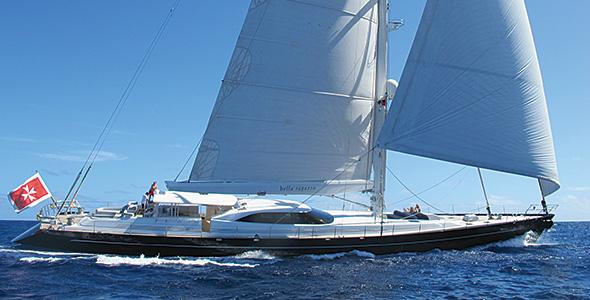 BELLA-RAGAZZA-sailing